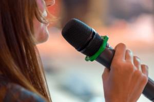 """הרצאה לנשים בארגונים וקבוצות """"מתיחת פנים בארגון"""" הקשר בין טיפוח חיצוני הנעת עובדים - אורית קדים"""