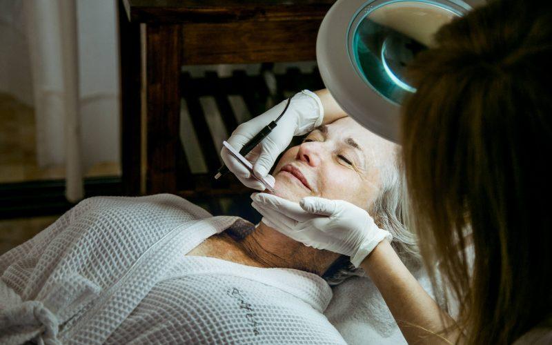 טיפולי הסרת שיער מהפנים באפילציה לנשים, בדרום - אורית קדים