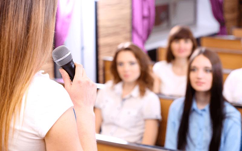 """הרצאה לנשים בארגונים: """"מתיחת פנים בארגון"""" הקשר בין הנעת עובדים וטיפוח עור הפנים - אורית קדים"""